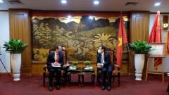 U.S. wishes to balance trade ties with Vietnam