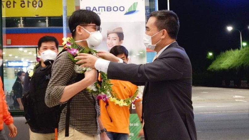 Quang Binh welcomes first tourists from outside after pandemic-caused hiatus